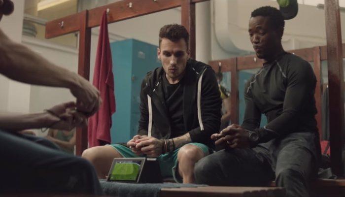FIFA 18 – Publicité L'expérience portable FIFA ultime